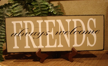 """FRIENDS"" always welcome - wood board"
