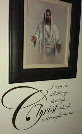"""Christ strengthens me"" saying"